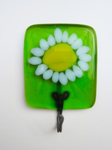 daisy tea towel holder