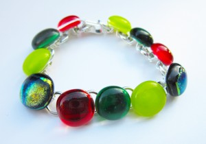 bracelet with alternate glass and dichroic glass cabochons