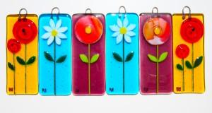 15 cm x 6 cm colourful sun catchers with flower design